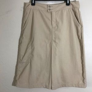 Patagonia nylon skirt with multiple pockets Sz 10